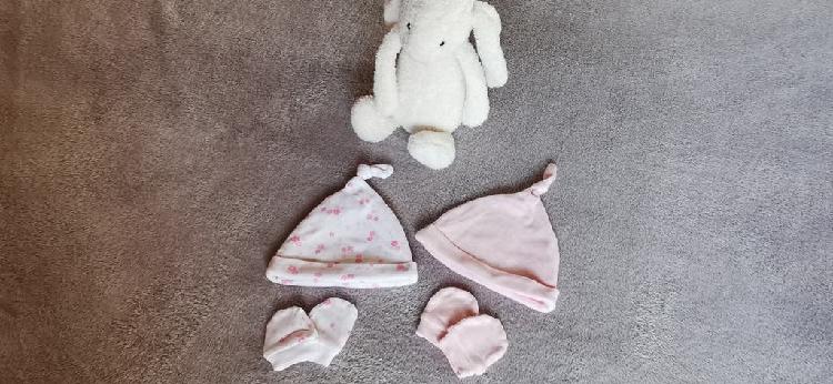 lote 2 conjuntos gorrito y manoplas recién nacido