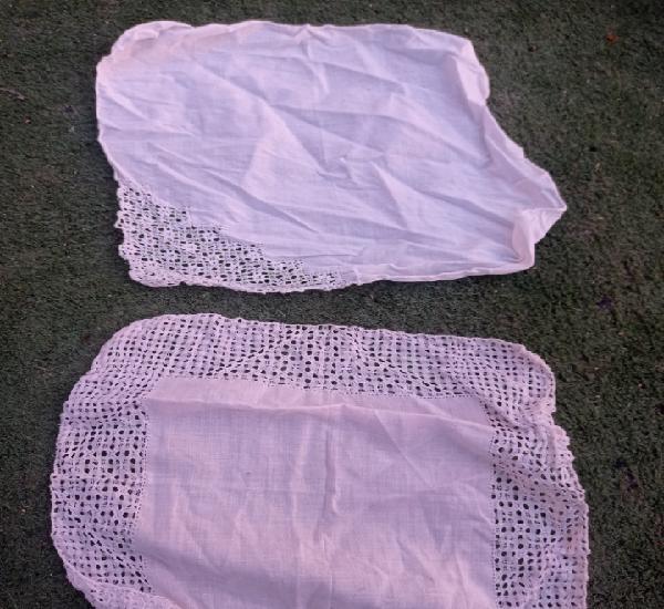 Lote dos pañuelos muy antiguos hechos a mano