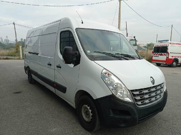 Renault Master Van with lift