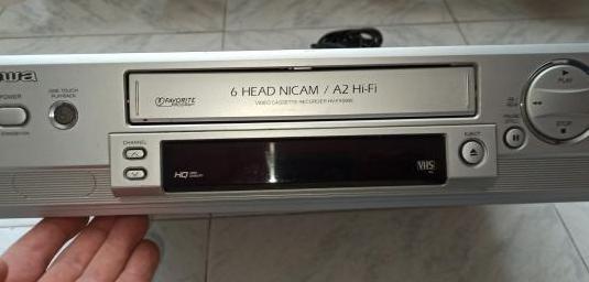 Vídeoreproductor y grabador vhs aiwa