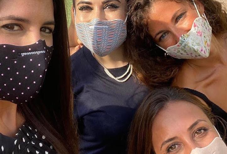 Vendedores de mascarillas higiénicas con contrato mercantil