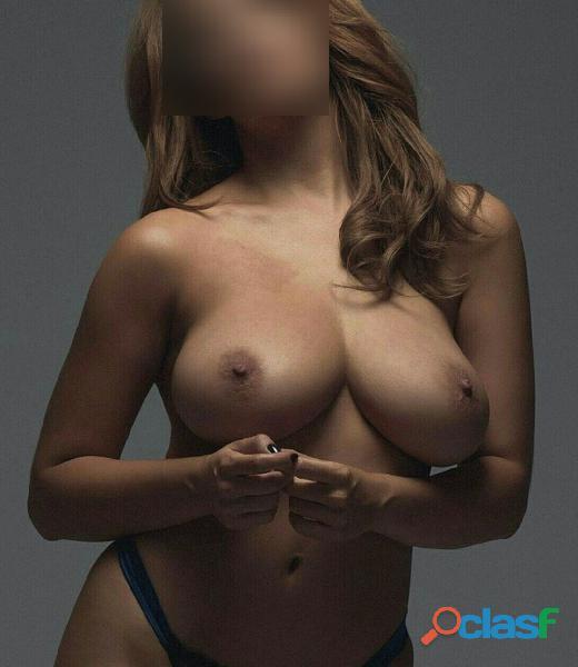 Joven señorita escort masajista sensual erotica