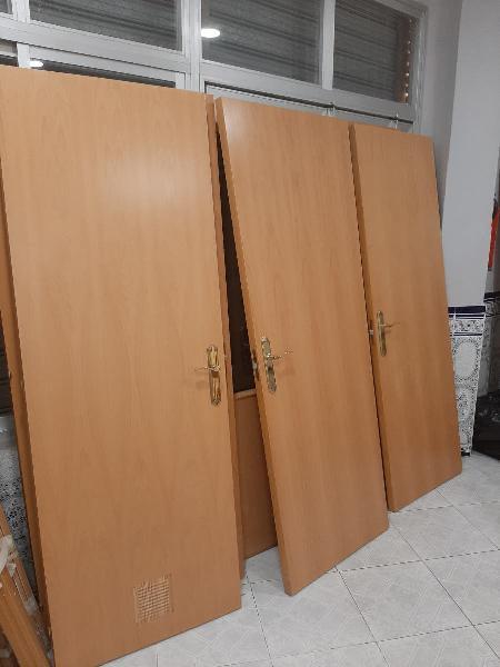 Block de puertas de paso en color haya