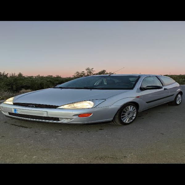 Ford focus tddi 3p año 2000