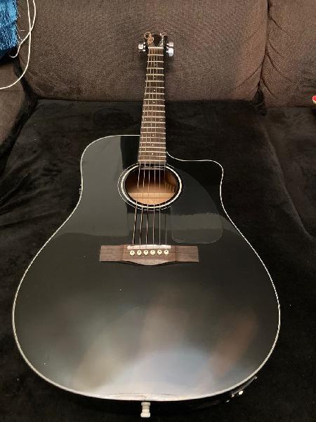 Guitarra acustica fender