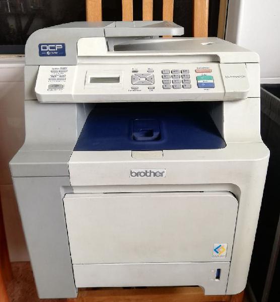 Impresora laser color brother dcp-9040cn averiada
