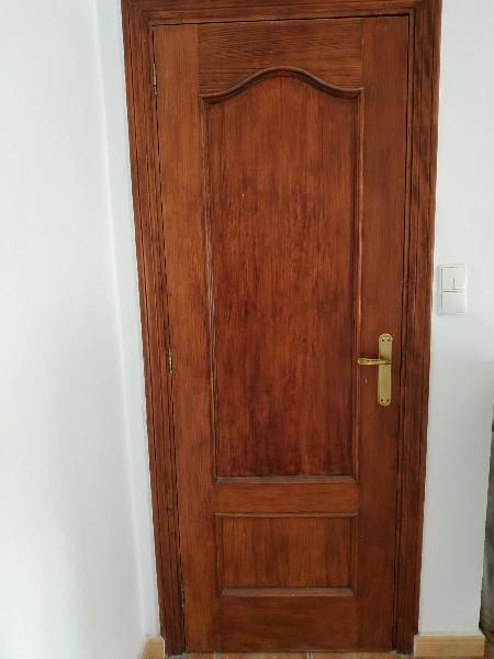 Puertas madera maciza