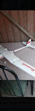 Avion teledirigido