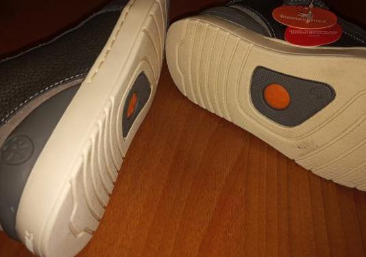 Botas sneaker de niña, marca biomecanic.