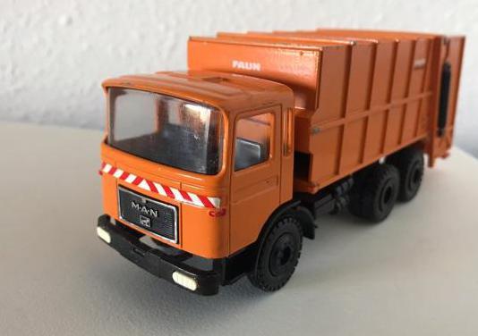 Camión de basura man gescha 1:50