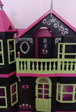Casa muñecas terrorífica