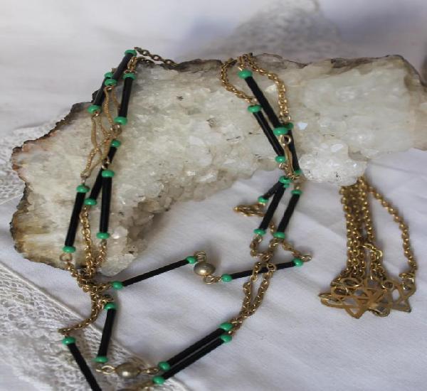 Largo y fino collar vintage