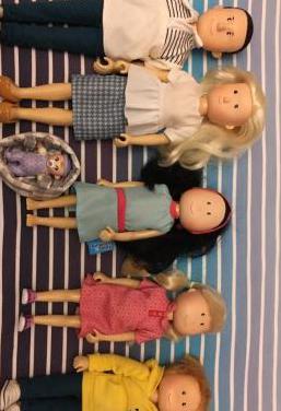 Muñecos ,familia amanda imaginarium