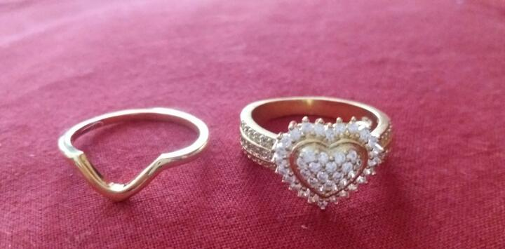 Precioso juego de anillo de oro 24k laminado con piedras