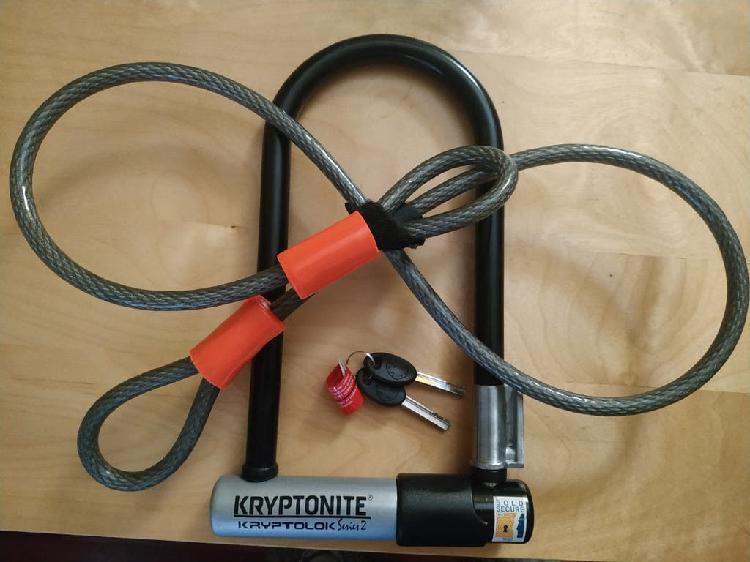 Candado antirrobo u con cable flexible kryptonite