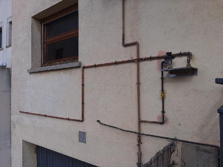 Instalador de gas natural, butano y propano.