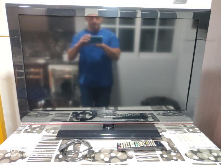 Se vende televisión samsung led 40 pulg.