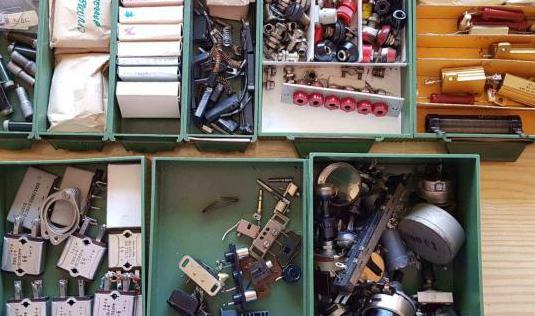 Componentes de electrónica antiguos