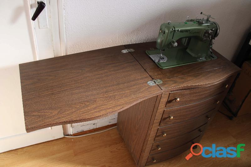 Maquina de coser Refrey Transforma