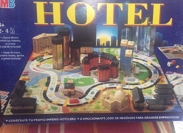 Juego de mesa hotel de mb con farolas