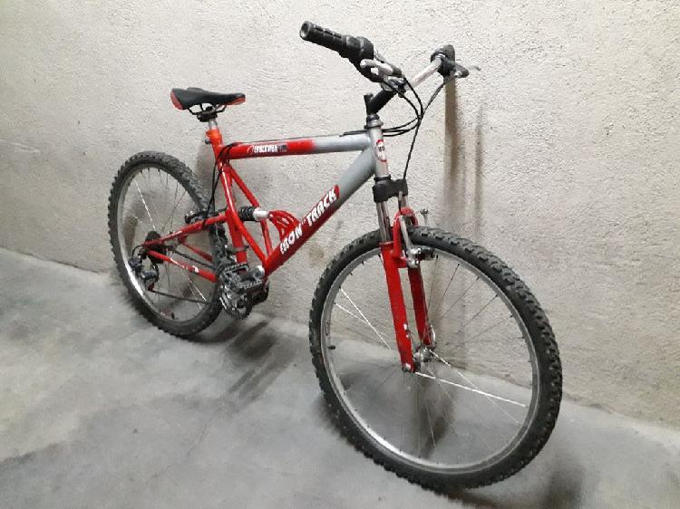 Mountain bike doble suspensión