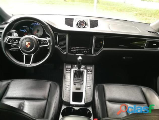 Porsche Macan S 6