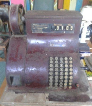 Caja registradora national años 30. para restaurar. buena