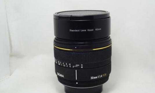 Objetivo Sigma EX 30mm 1:1.4 para Pentax lente