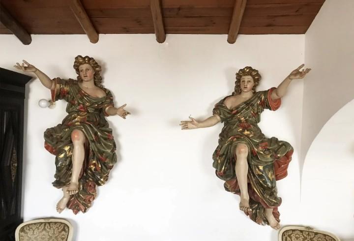 Rara pareja de tamaño real del siglo xviii o ángeles
