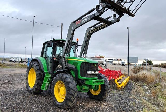 Venta de tractor con pala john deere 6620 en palencia