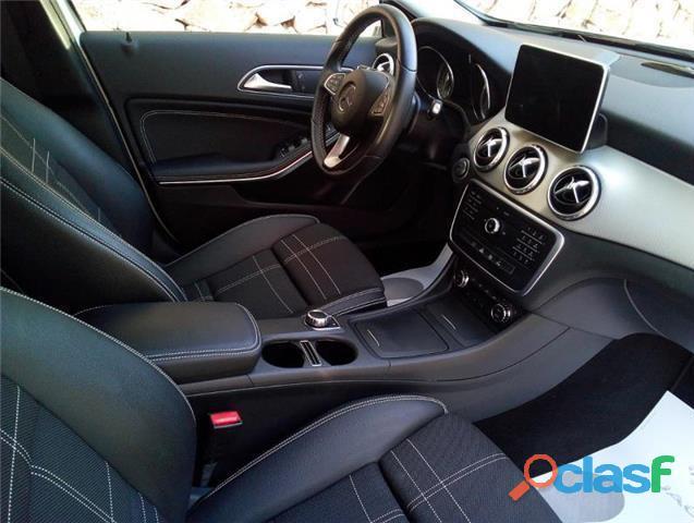 Mercedes Benz GLA 200 d Urban 7G DCT 3