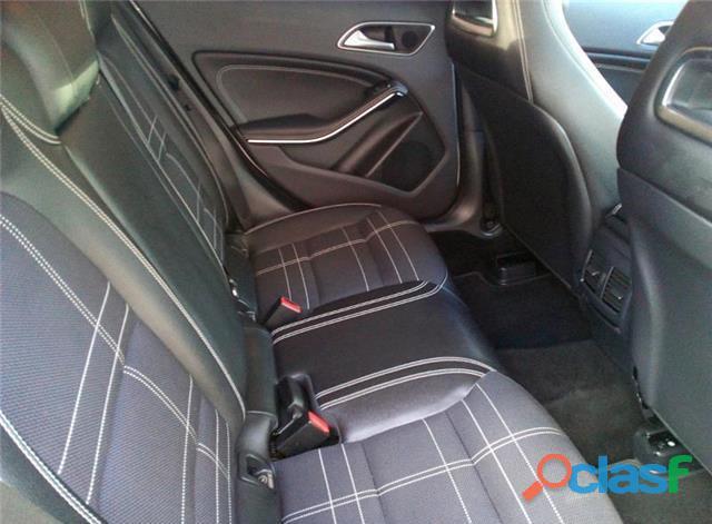 Mercedes Benz GLA 200 d Urban 7G DCT 2