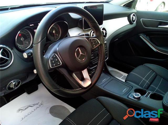 Mercedes Benz GLA 200 d Urban 7G DCT 1