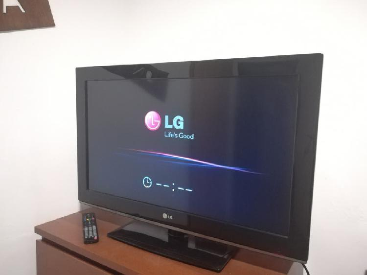 Tv lg 32' lcd full hd con mando