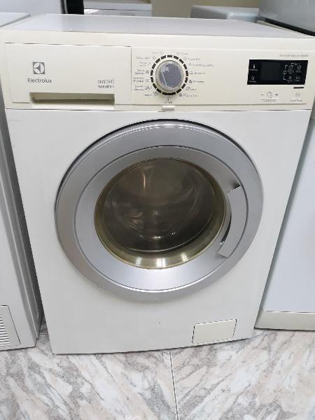 Lavadora secadora marca electrolux con garantía