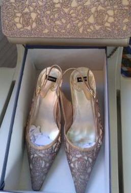 Zapatos y bolso a juego en sevilla