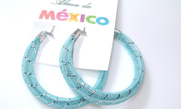 Pendientes de aro color azul y plata, diametro 5.2 cms,