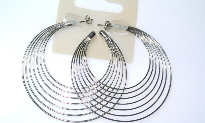 Pendientes de aro color plata diámetro 6.2 cms, nuevos con