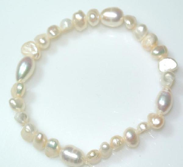 Pulsera de perlas naturales, elastica, nueva
