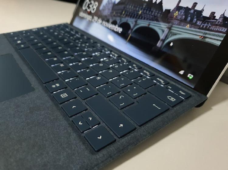 Surface pro i5 8gb + cover teclado y pen surface