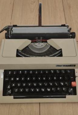 Maquina de escribir maritsa 30