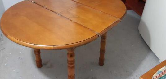 Mesa madera maciza y 4 sillas extensible