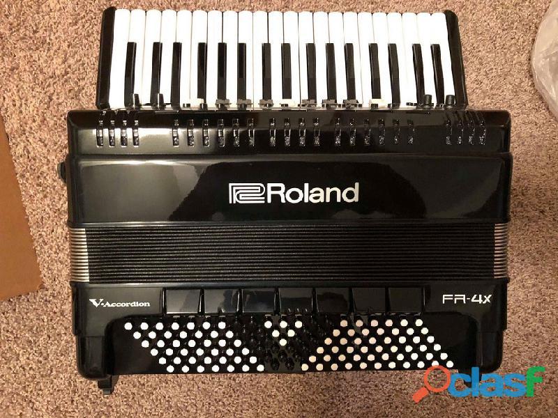 Acordeón Roland FR4X con bolsa