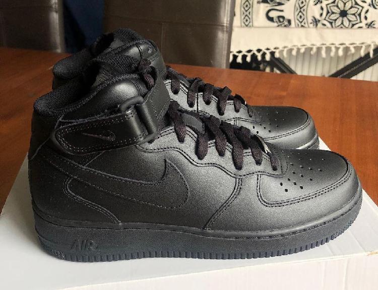 Air force 1 x triple black