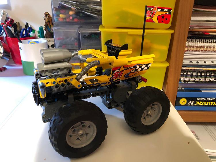 Lego racers jumping giant (8651)