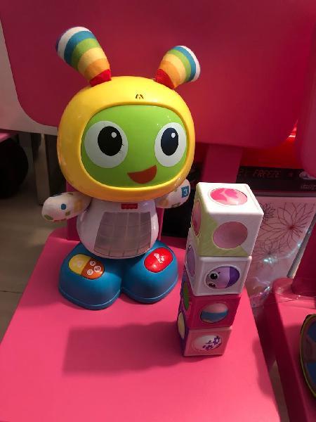 Robot robi interactivo