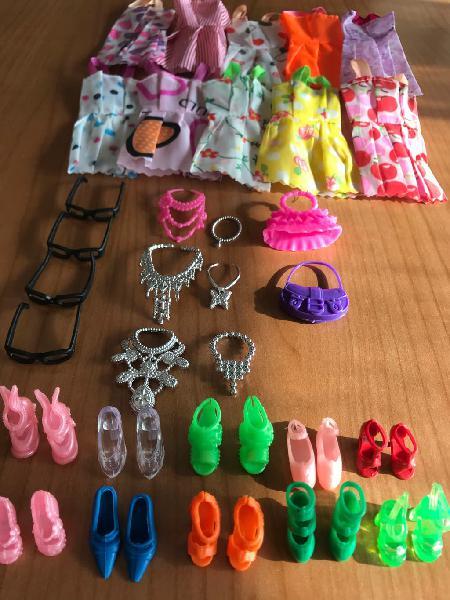 Ropa y accesorios para barbie