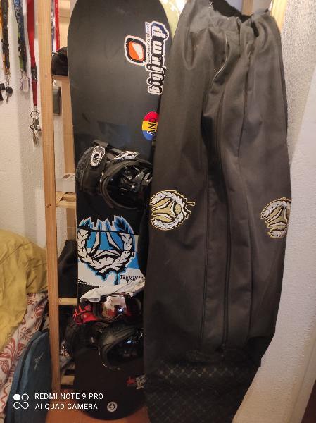 Tabla de snowboard+fijaciones+funda+gafas ski