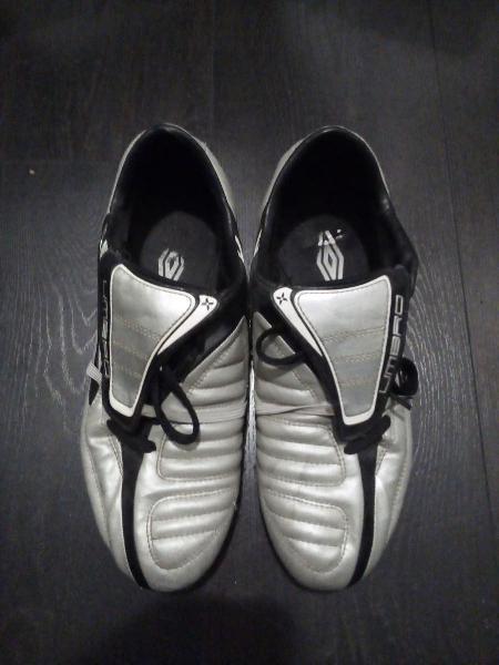 Zapatillas umbro fútbol n. 42
