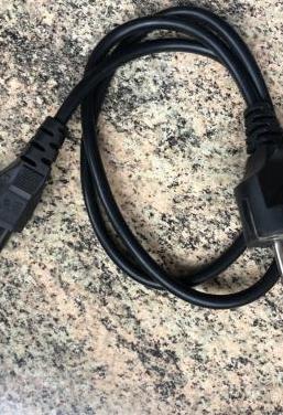 Cable alimentación 3 pin redondo